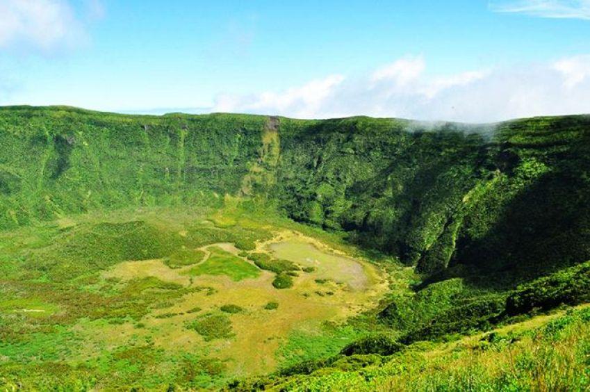 Faial Crater 2