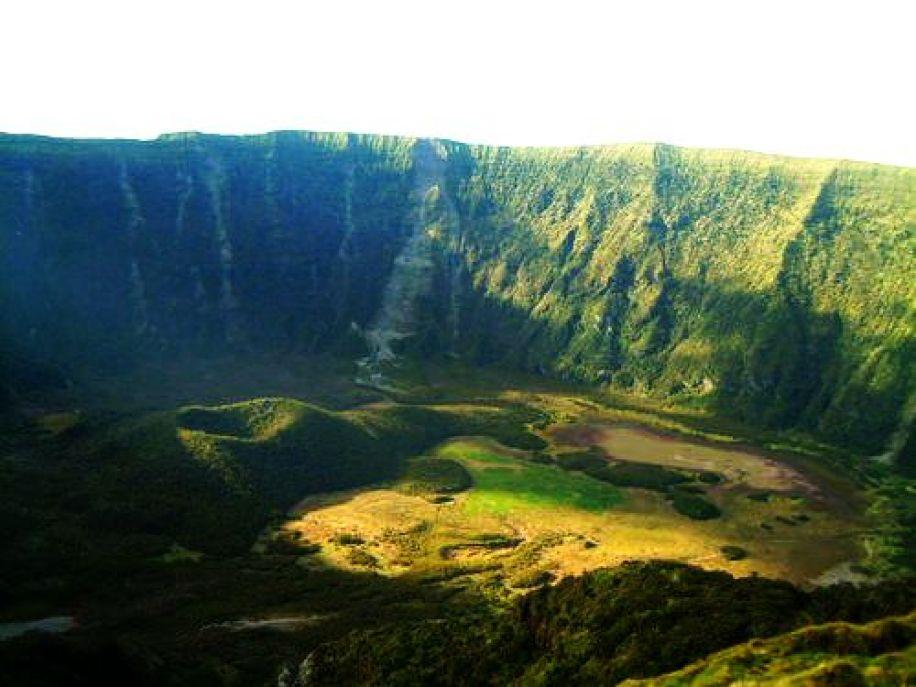 Faial Crater 3