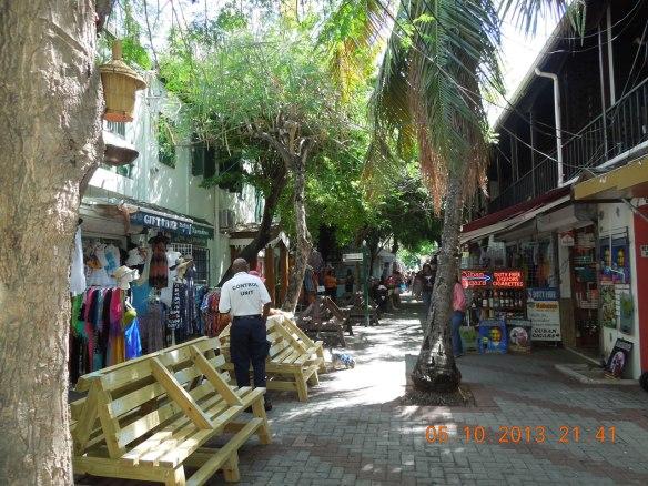 热带风情浓郁的横街