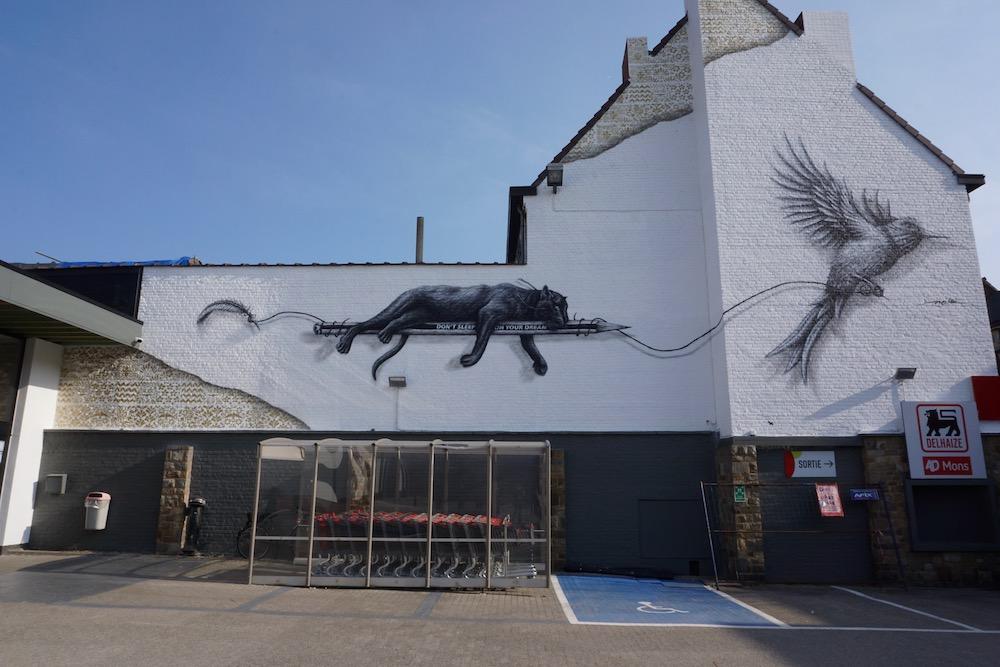 Street art Mons: Don't sleep on your dreams van NOIR