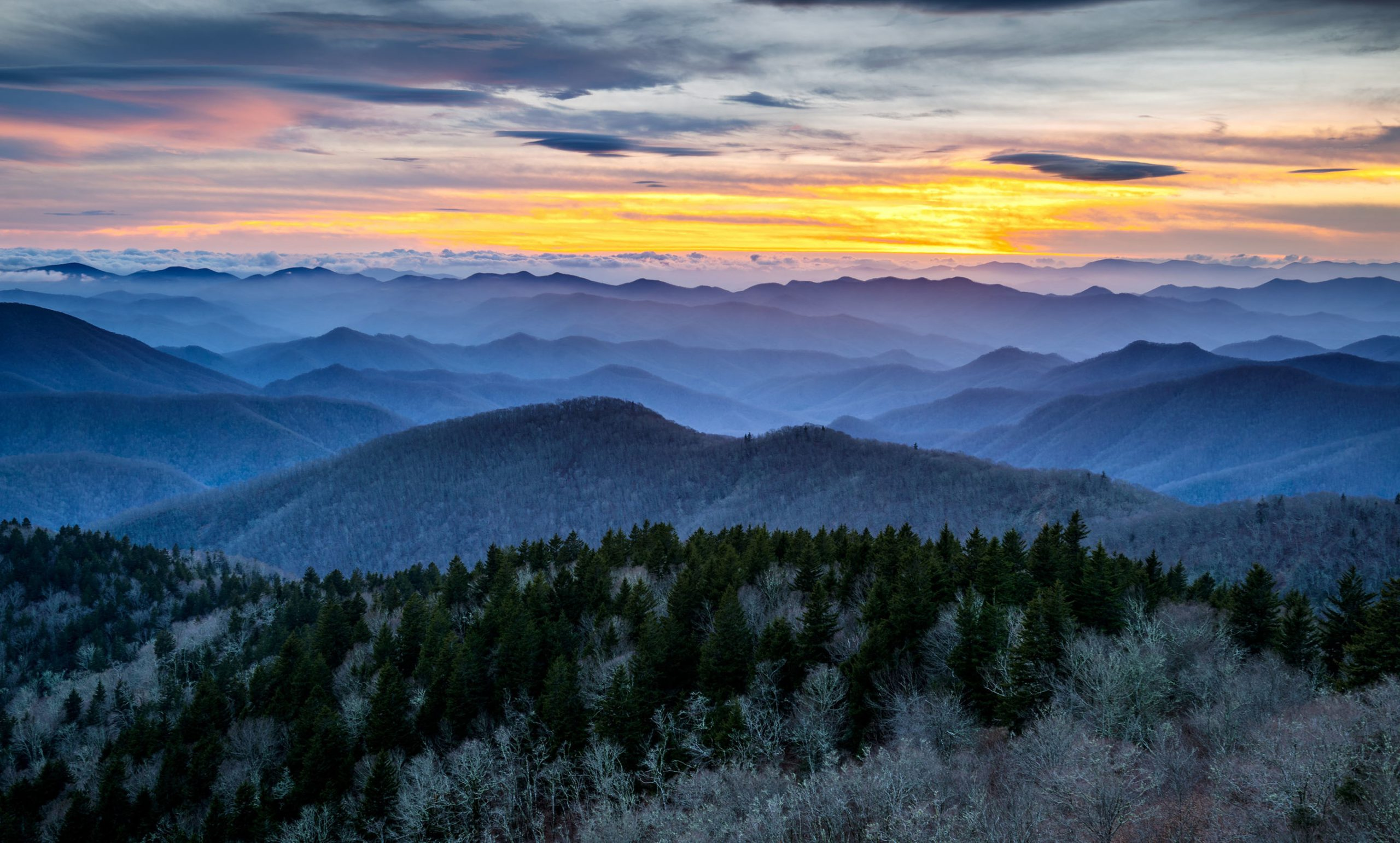 "This year, weather experts are predicting a warmer winter for the Southeast U.S., possibly bringing more opportunities to enjoy Asheville's walkable downtown, dine at outdoor patios or in a city ""parklet"" and to social distance and refresh on a nearby mountainside. Often underrated, winter in Asheville is a bit of a secret season in a Blue Ridge Mountain city world-famous for fall color and lush summer adventure. (Photo Courtesy of ExploreAsheville.com)"