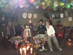 Schamane, Boris, ich (vlnr) und betrunkene Maya (hinten)