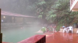 Las Fuentes Georginas - das Wasser kommt heiß direkt aus dem Berg