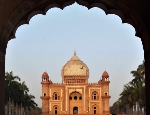 tomb of safdarjung in delhi a beautiful mughal structure