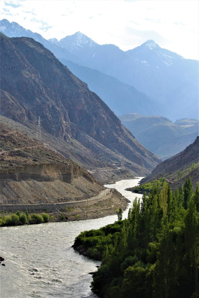 Road trip to Leh Ladakh with Kids Suru river Leh-Srinagar Highway