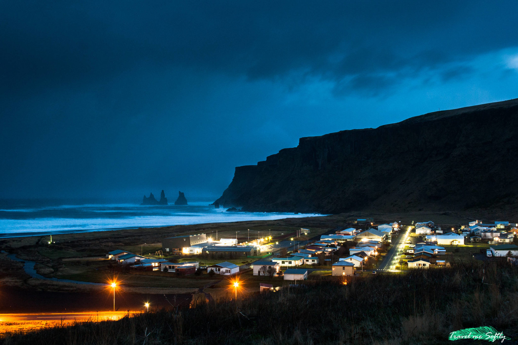 anochecer en vik islandia