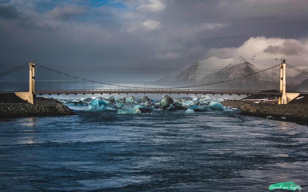 puente icebergs acumulados imágenes de islandia