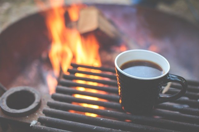 ir de camping cafe naturaleza