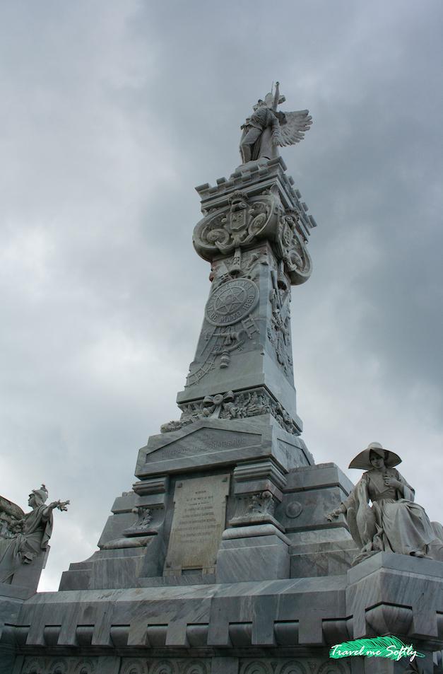 monumento a los bomberos necrópolis la habana