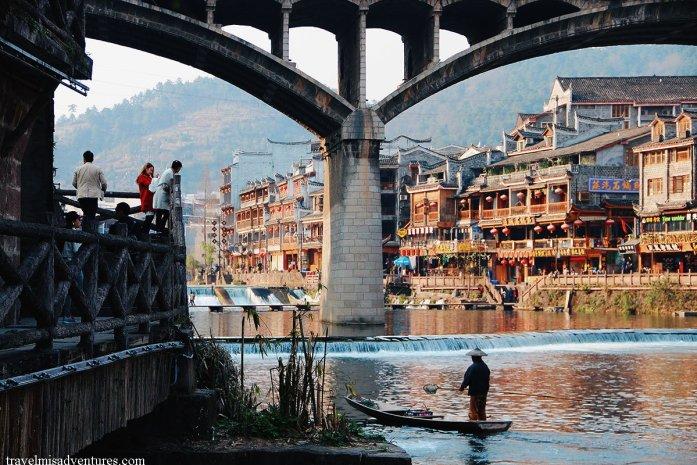 Fenghuang Cina viaggio