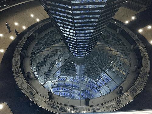 berlin-Reichstag-plenary-celing.png
