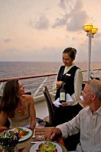 AZA_Ship_Food_Dining_Windows_Dinner_56_Jenna