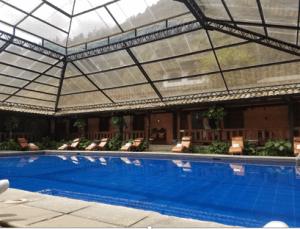 Banos pool hotel