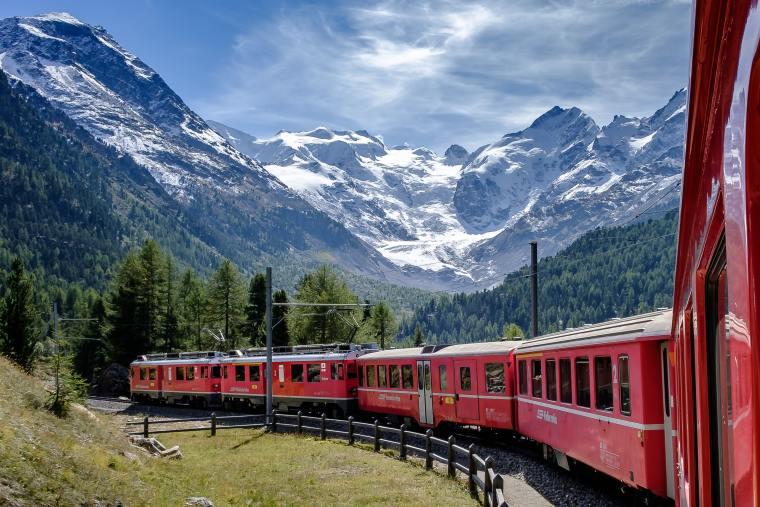 Scenic train rides Switzerland