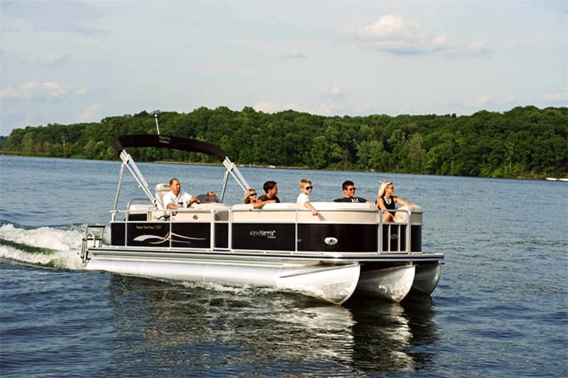 5+ Branson Lake Cruises Offer Sightseeing, Dinner, & More