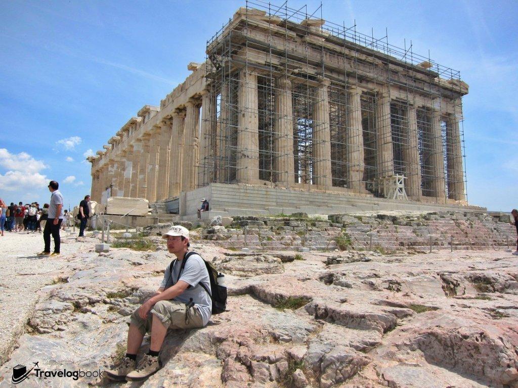 公元前5世紀,山上大興土木,其中便包括了興建供奉雅典娜的巴特農神殿。