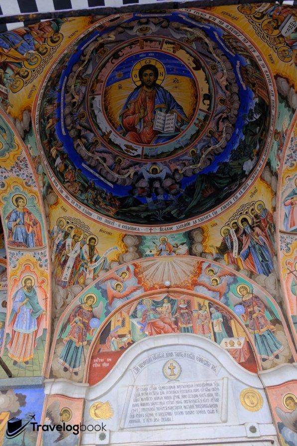 教堂頂的壁畫。