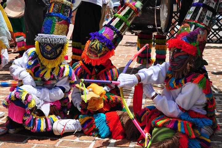 bermuda-dancers
