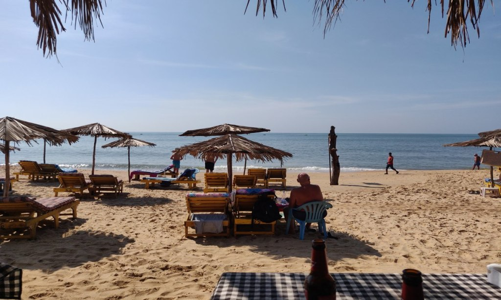 somewhere between Candolim & Calangute beach