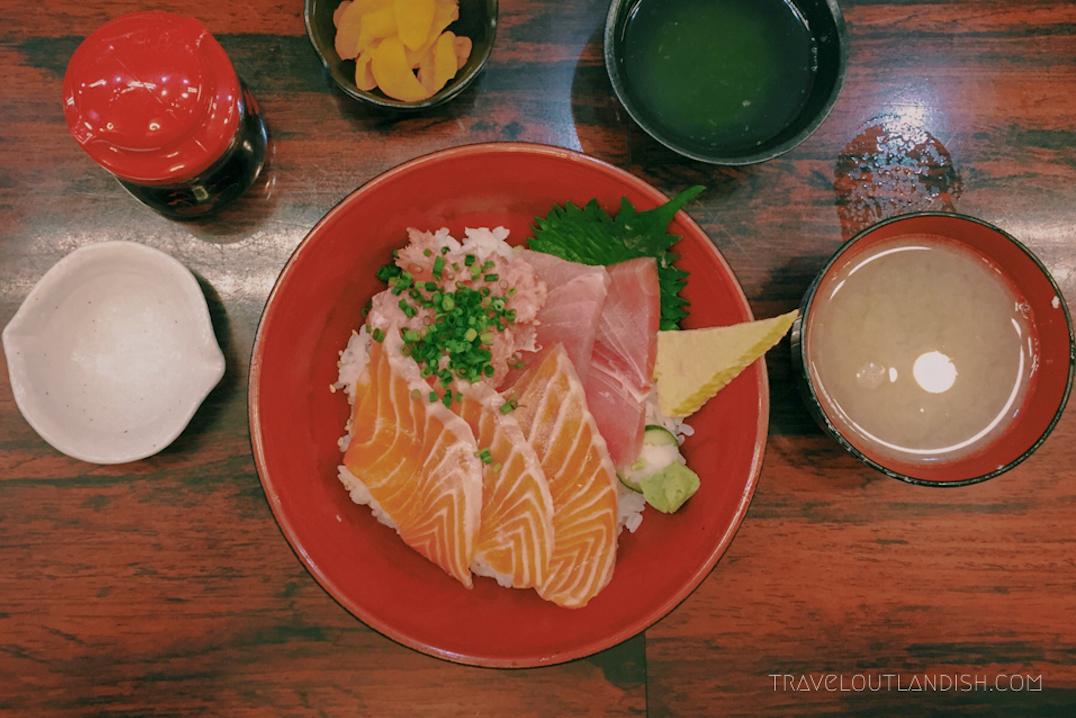 Must Eat in Tokyo - Donburi Bowls at the Tsukiji Fish Market