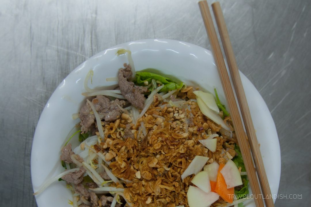 Northern Vietnamese Street Food - Bun bo nam bo in Hanoi