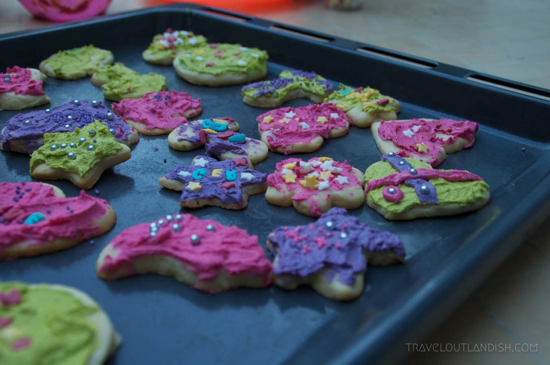 Au Pair Jobs in Europe - Baking cookies with my host family