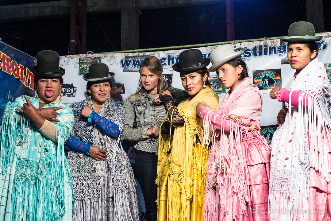 Cholitas Wrestling - Group Picture