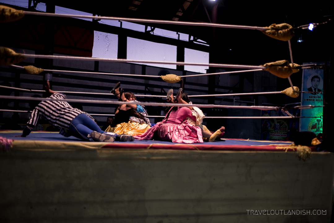 Cholitas Wrestling - Take Down