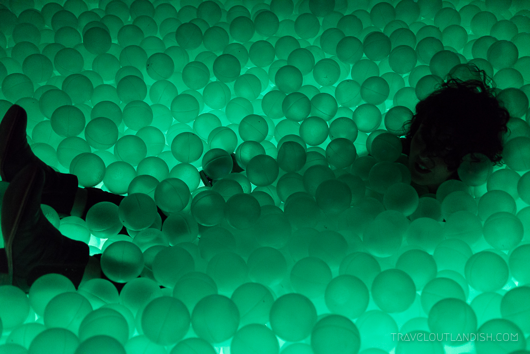 Ball Pit Bar - Maire in the Ball Pit at Ballie Ballerson