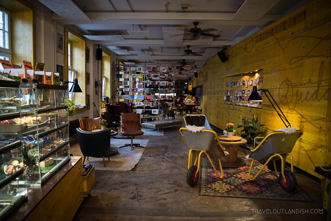 Hostels in Hamburg - Superbude St. Pauli Lobby