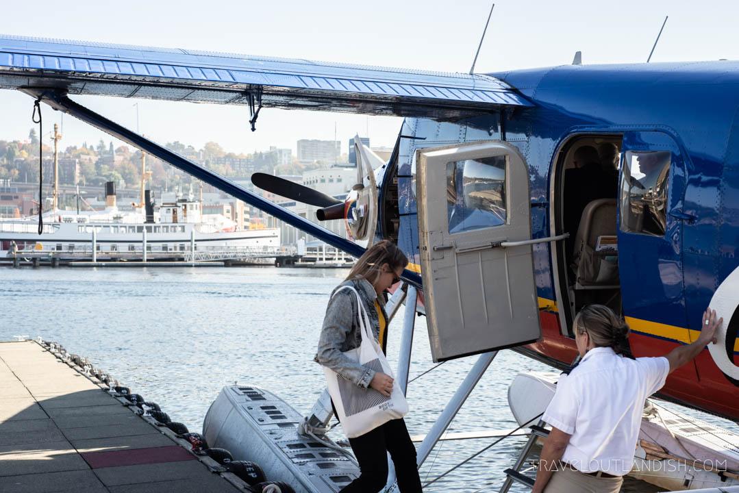 Seaplane Seattle - Boarding the Seaplane