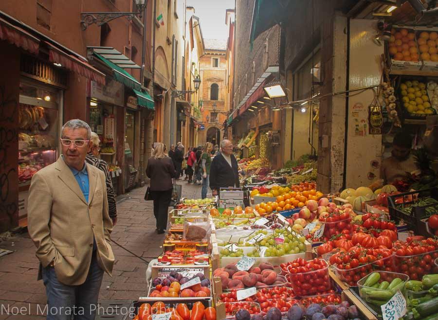 Via Clavature in the Quadrilatero area of Bologna