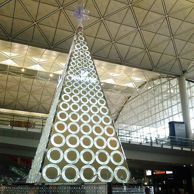 Hong Kong xmas at the international airport