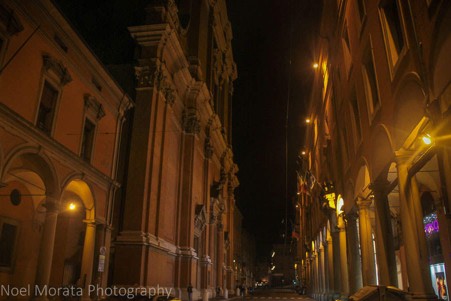 The streets and porticoes of Bologna at night
