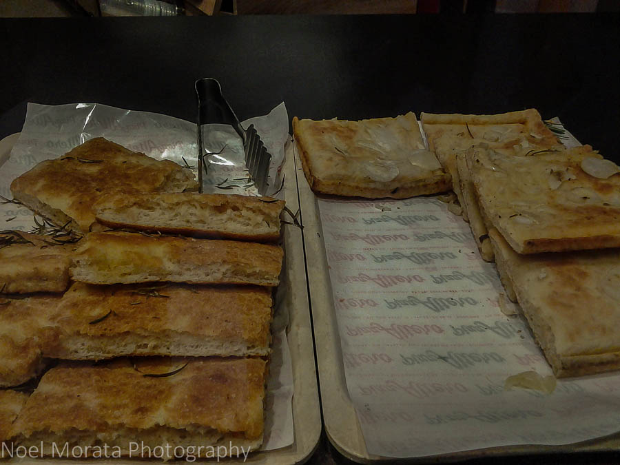 Bologna flat breads to go