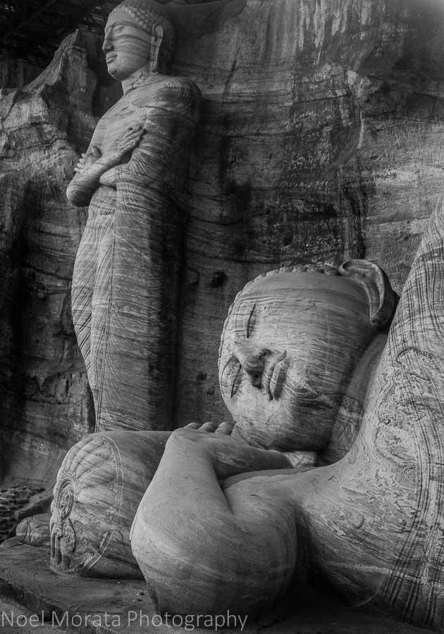 The stone buddhas, Gal Viharaya