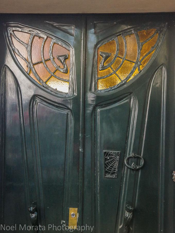 Art Nouveaux doorway, Montmarte, Paris