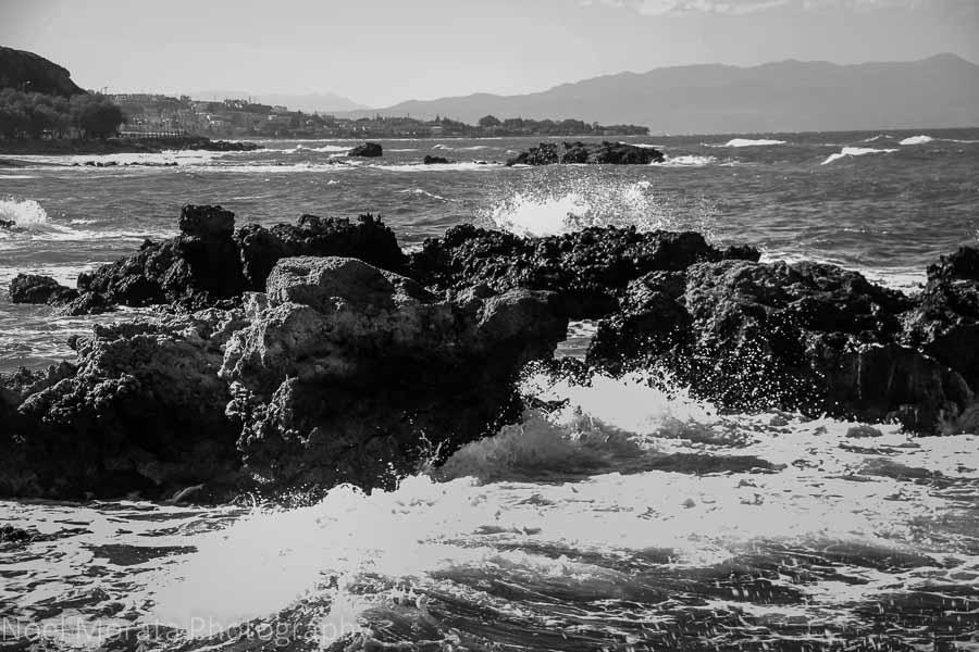 Rocky coastline - 20 pictures of Crete in Greece