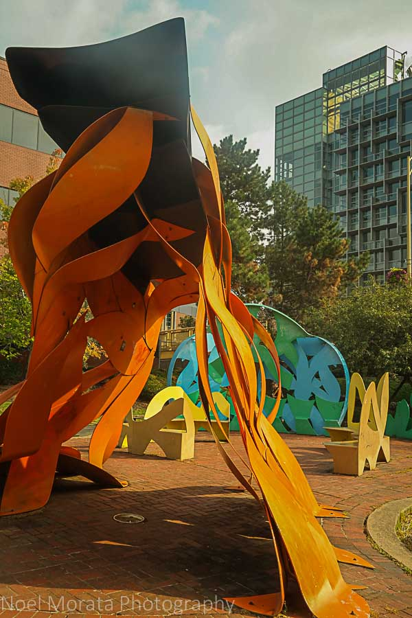 Modern art along the North riverfront walking trail - A first impression of Pittsburg