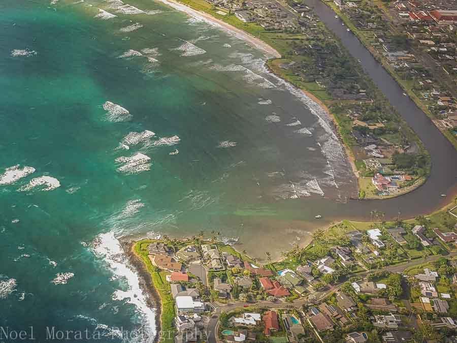 Coastal communities of East Oahu - Helicopter ride around Oahu