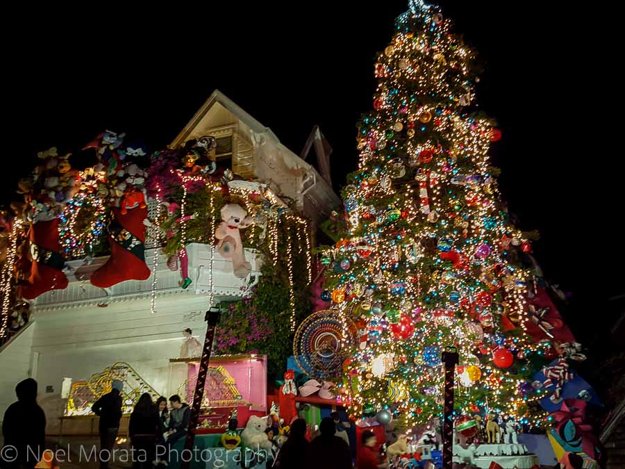 Tom and Jerry Christmas house, San Francisco