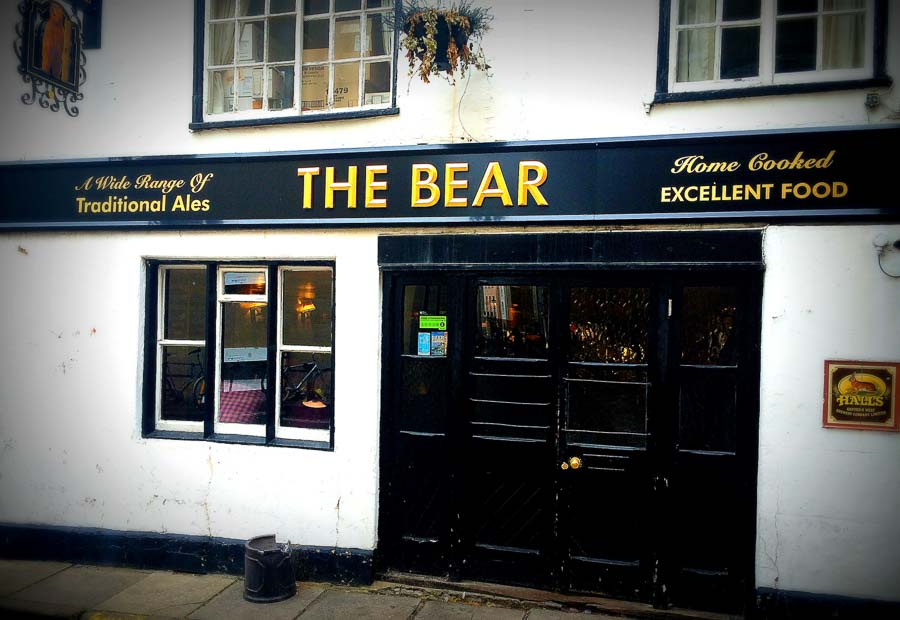 Places to visit Oxford at the Bear Pub