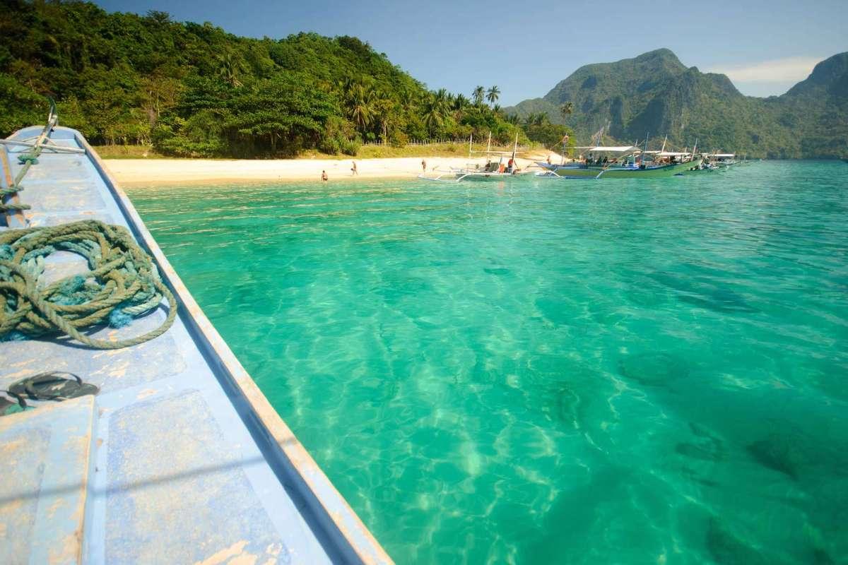 Dilumacad's beach (Helicopter Island)