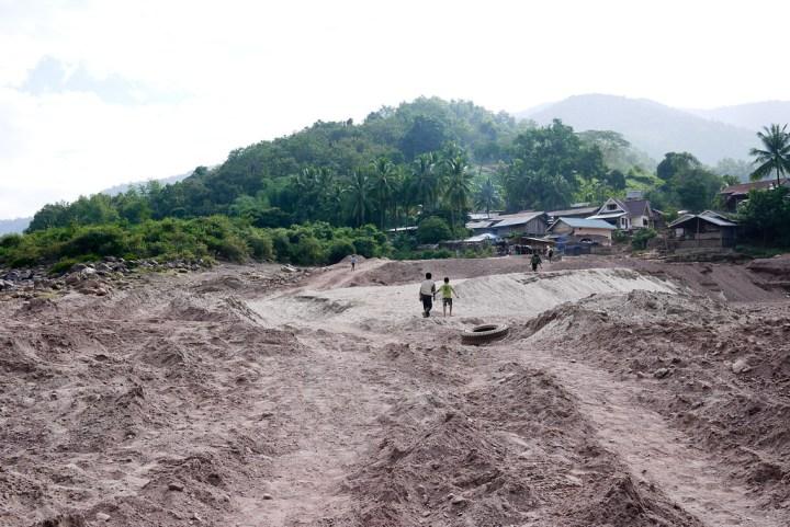 Tha Suang, Laos