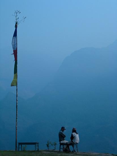 hiking annapurna nepal