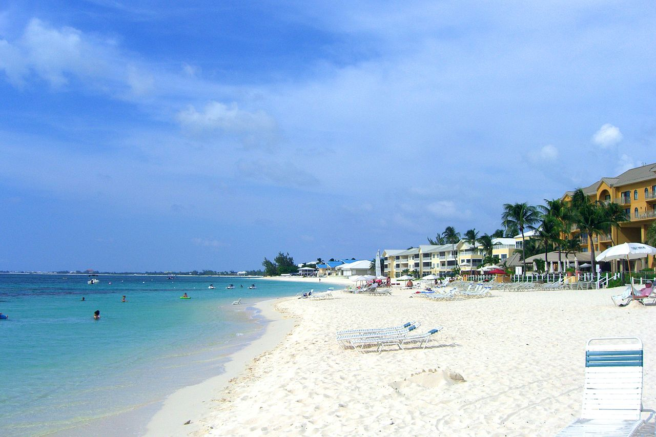 Seven Mile Beach In The Cayman Islands Can Be Affordable!