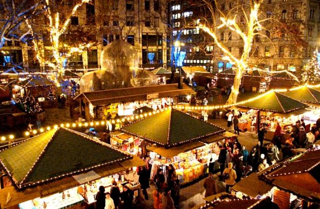 Budapest-Christmas-Market-budapestinfo
