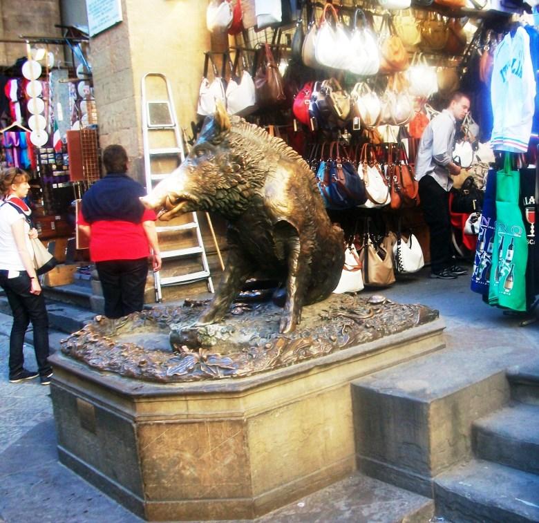 Florença Mercado Porcelino.jpg
