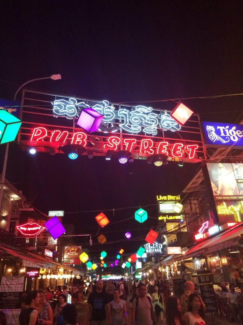 siem-reap-pub-street1
