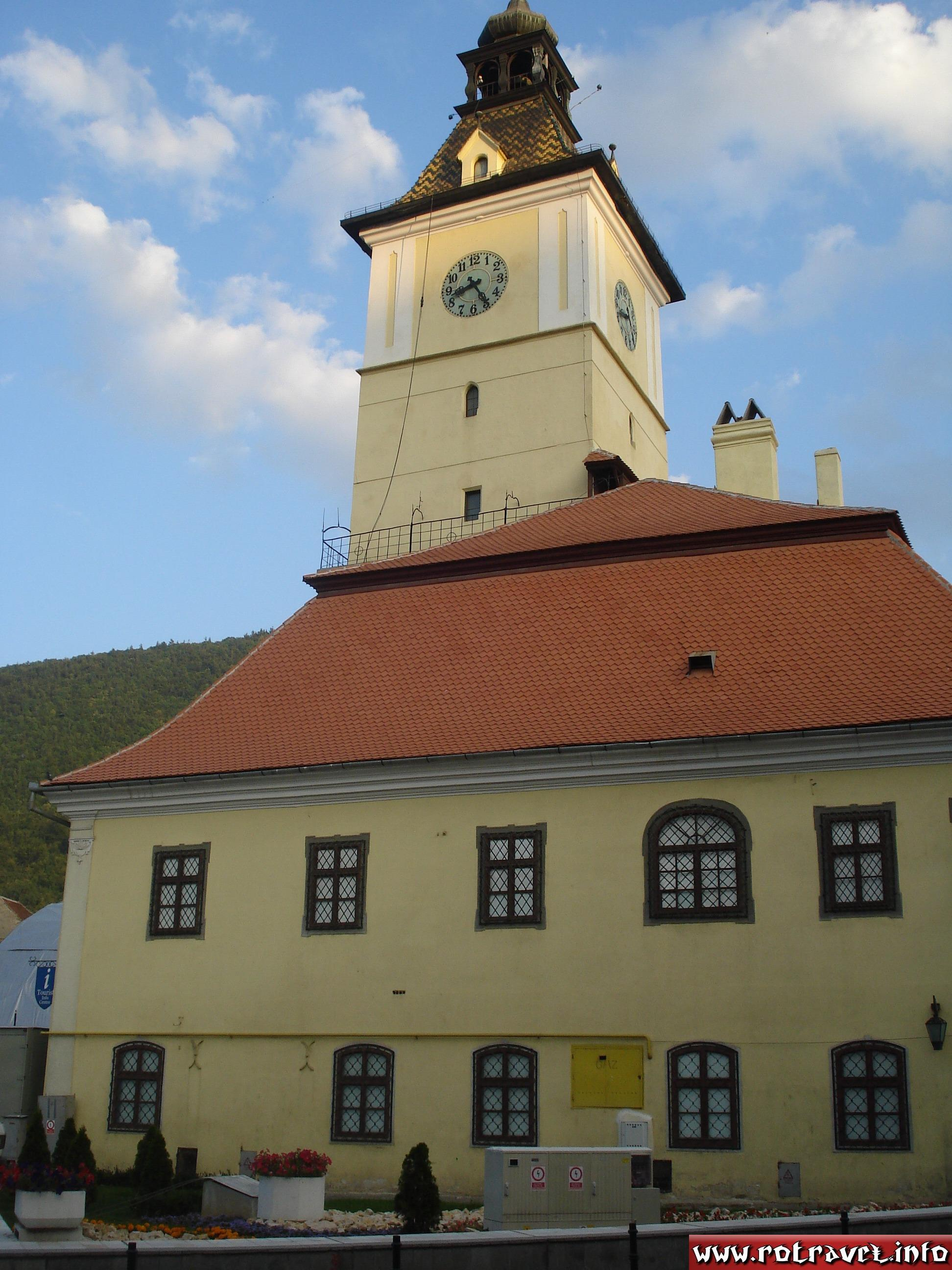 """Casa Sfatului (""""The mayor's former office building""""). Here was the administration from Braşov for more than 500 years."""